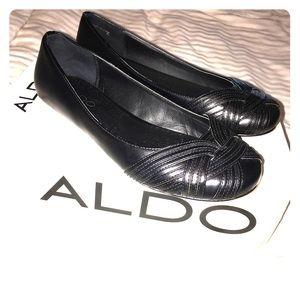Aldo Digangi black flats size 6